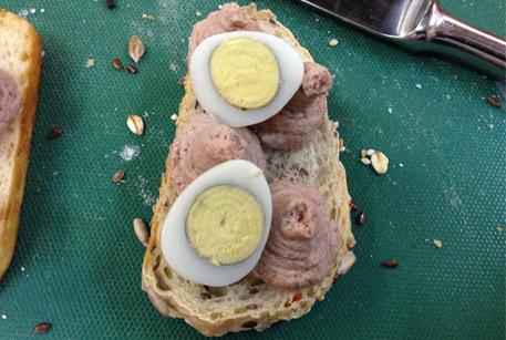 Домашний рецепт – бутерброды с паштетом из печени