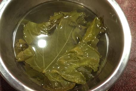 Долма в виноградных листьях с говядиной тушеной - рецепт от шеф-повара