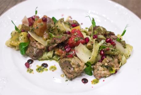 Фетучини с овощами и бараниной