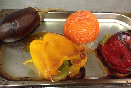 Запечь овощи в духовке для фетучини с овощами и бараниной