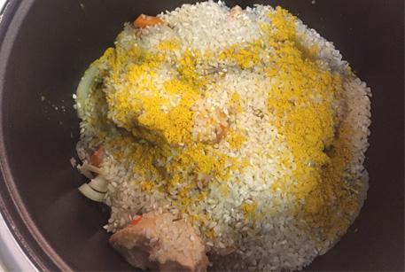 Плов в мультиварке – рецепт с тушенкой из курицы
