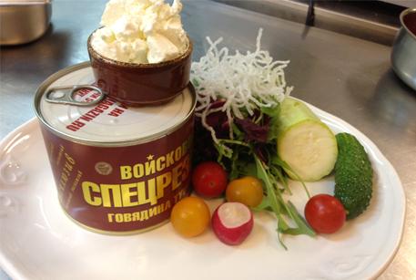Купить говяжью тушенку Войсковой Спецрезерв для салата с говядиной и кабачками гриль