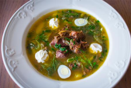 Щавелевый суп из говядины и шпината