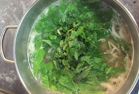 Пошаговый рецепт щей из крапивы и говядины