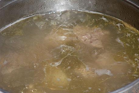 Купить тушенку говяжью и купить тушенку из свинины для холодца
