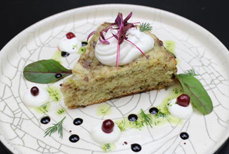 Пирог в мультиварке на скорую руку – рецепт с тушенкой